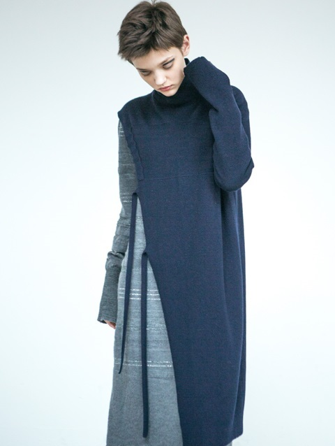 Asymmetric Sleeve Dress [NAVY]