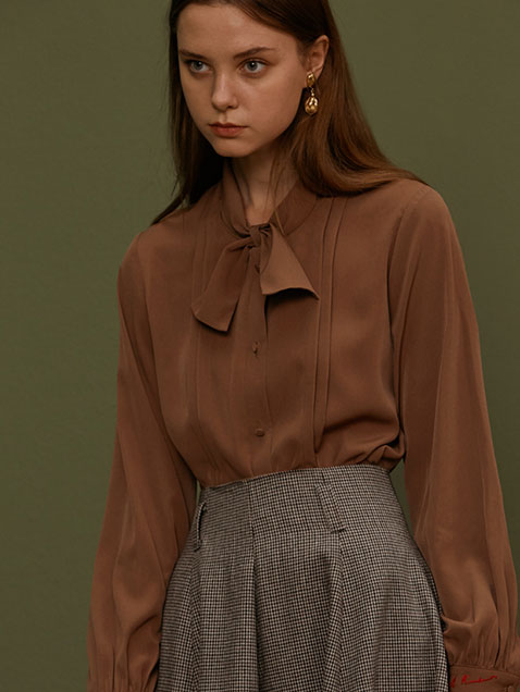 PLEATS BOW-TIE BLOUSE [IVORY,BROWN,RED]