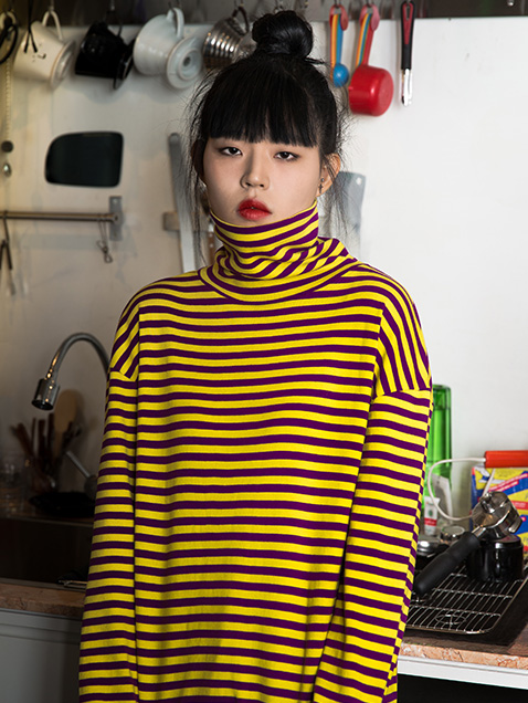 TURTLE NECK STRIPE TEE (YELLOW)