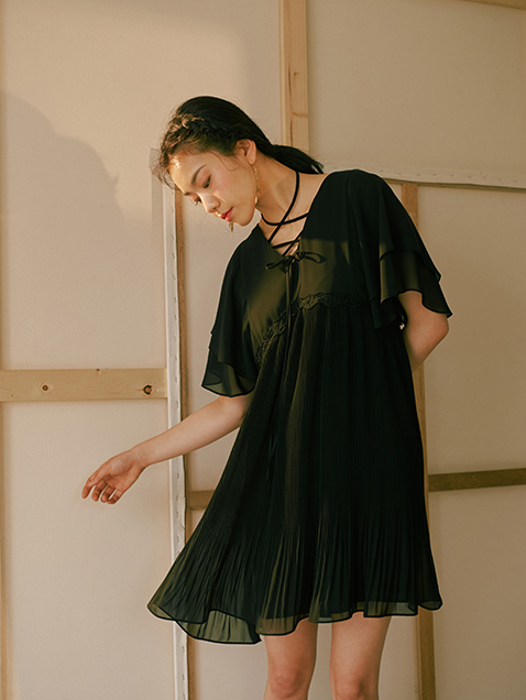 STRING POINT FRILL DRESS_BLACK